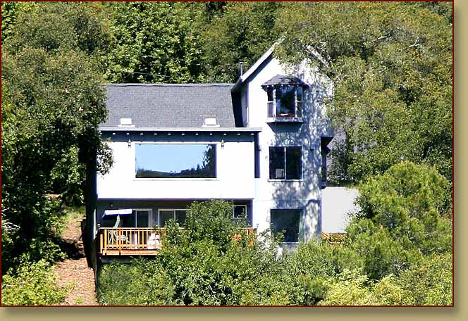 Fitch Mountain Lookout: vacation rental, Healdsburg, California. Views. Beach access. Hot tub. Fireplace.>   	        <span class=